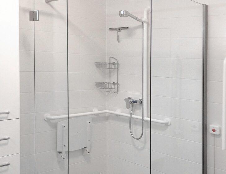 Medium Size of Barrierefreie Raindance Dusche Glasabtrennung Sprinz Duschen Fliesen Für Eckeinstieg Bluetooth Lautsprecher Hüppe Kaufen Nischentür 90x90 Hsk Begehbare Dusche Behindertengerechte Dusche
