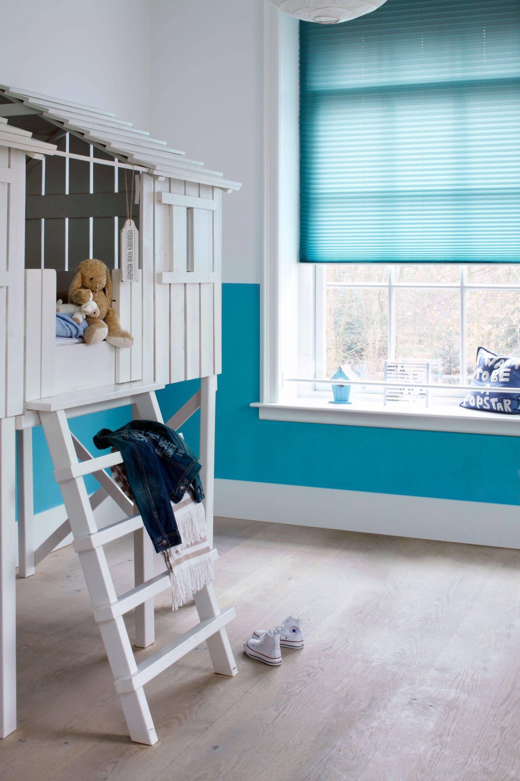 Full Size of Felblauwe Plisse Shade In Kinderkamer Blauw Fris Trend Foto Regal Kinderzimmer Weiß Plissee Fenster Regale Sofa Kinderzimmer Plissee Kinderzimmer