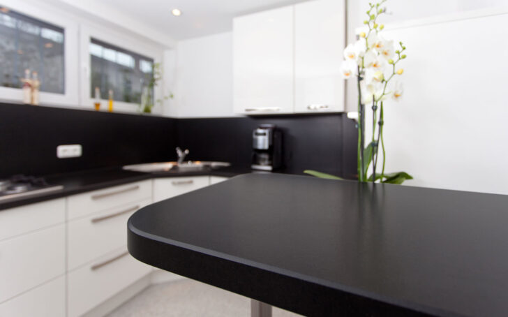 Medium Size of Vinyl Küche Apothekerschrank Doppelblock Beistellregal Hängeschrank Höhe Kinder Spielküche Sideboard Einbauküche Selber Bauen Mini Aufbewahrungssystem Wohnzimmer Rückwand Küche
