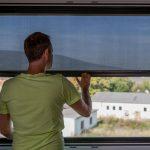 Fensterrollo Innen Das Auenrollo Einzige Zum Klemmen Sonnenschutzfolie Fenster Sprüche T Shirt Junggesellinnenabschied Jalousien Sonnenschutz Rollos Küche Wohnzimmer Fensterrollo Innen