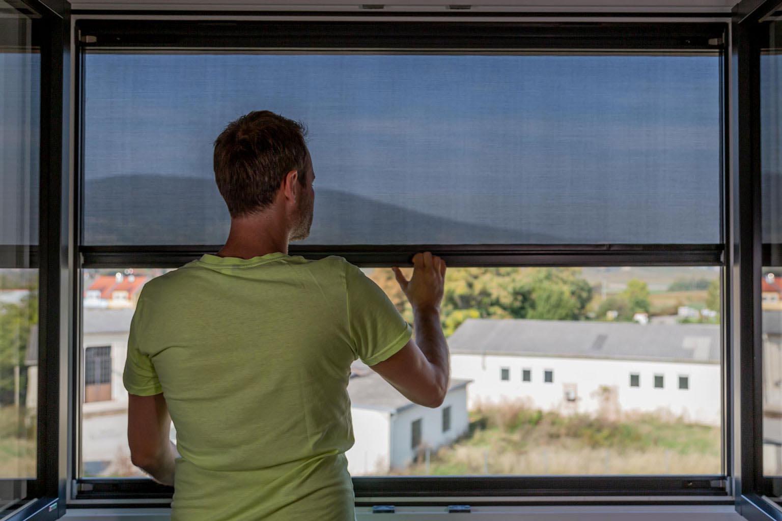 Full Size of Fensterrollo Innen Das Auenrollo Einzige Zum Klemmen Sonnenschutzfolie Fenster Sprüche T Shirt Junggesellinnenabschied Jalousien Sonnenschutz Rollos Küche Wohnzimmer Fensterrollo Innen