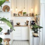 Schmale Küche Wohnzimmer Schmale Küche Kleine Kchen Singlekchen Einrichten Selbst Zusammenstellen Holzbrett Bodenbelag Einbauküche Mit Elektrogeräten Led Deckenleuchte Nobilia Auf