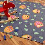 Teppichboden Kinderzimmer Kinderzimmer Spielteppich Eule Grau In 24 Gren Teppiche Und Regal Kinderzimmer Regale Sofa Weiß