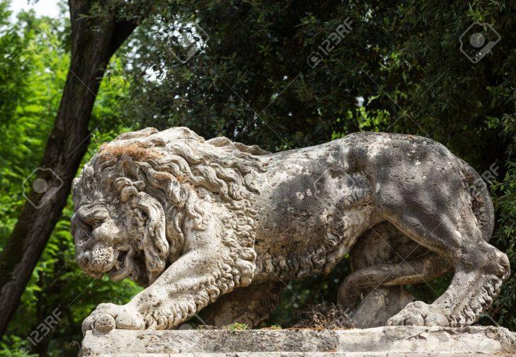 Medium Size of Lwe Skulptur In Garten Villa Borghese Rom Rattenbekämpfung Im Pergola Spielhaus Kunststoff Ausziehtisch Holzhäuser Bewässerungssysteme Gaskamin Sitzgruppe Wohnzimmer Skulptur Garten