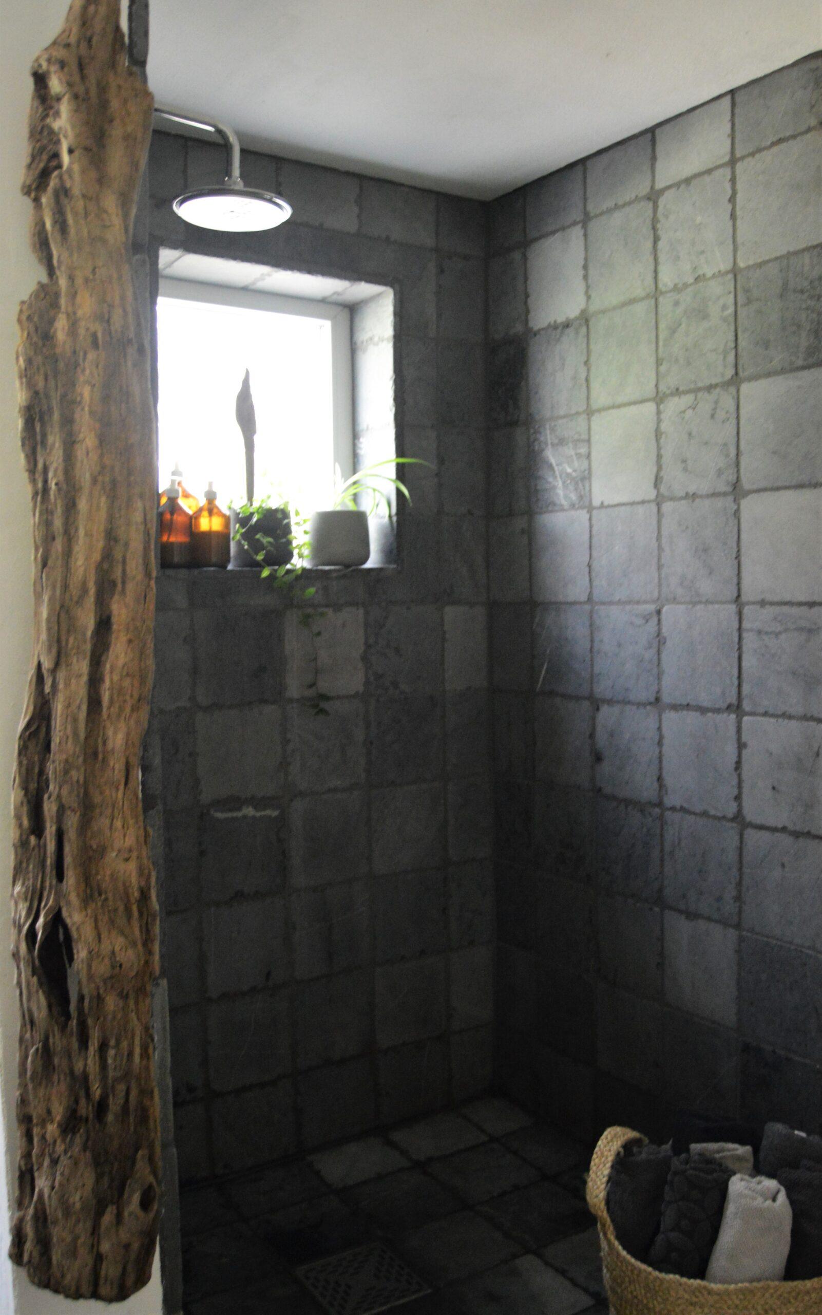 Full Size of Begehbare Dusche Breuer Duschen Moderne Abfluss Einhebelmischer Ebenerdige Badewanne Mit Bidet Unterputz Antirutschmatte Einbauen Nischentür Fliesen Für Dusche Begehbare Dusche