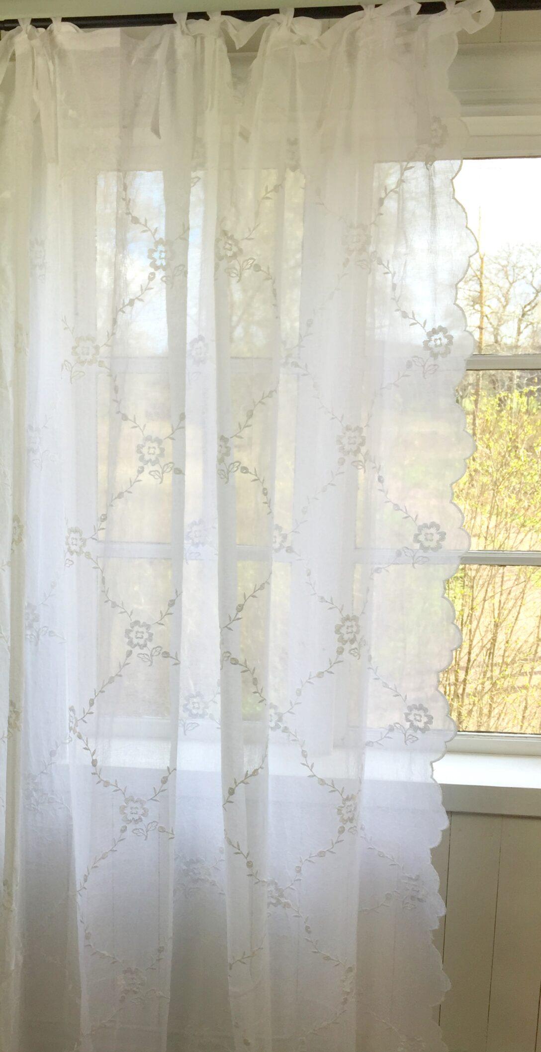 Large Size of Landhaus Gardinen Wei Schal Chiara Bestickt 200x300 Cm Bandaufhngung Bett Küche Sofa Wohnzimmer Für Die Scheibengardinen Landhausstil Fenster Betten Wohnzimmer Landhaus Gardinen