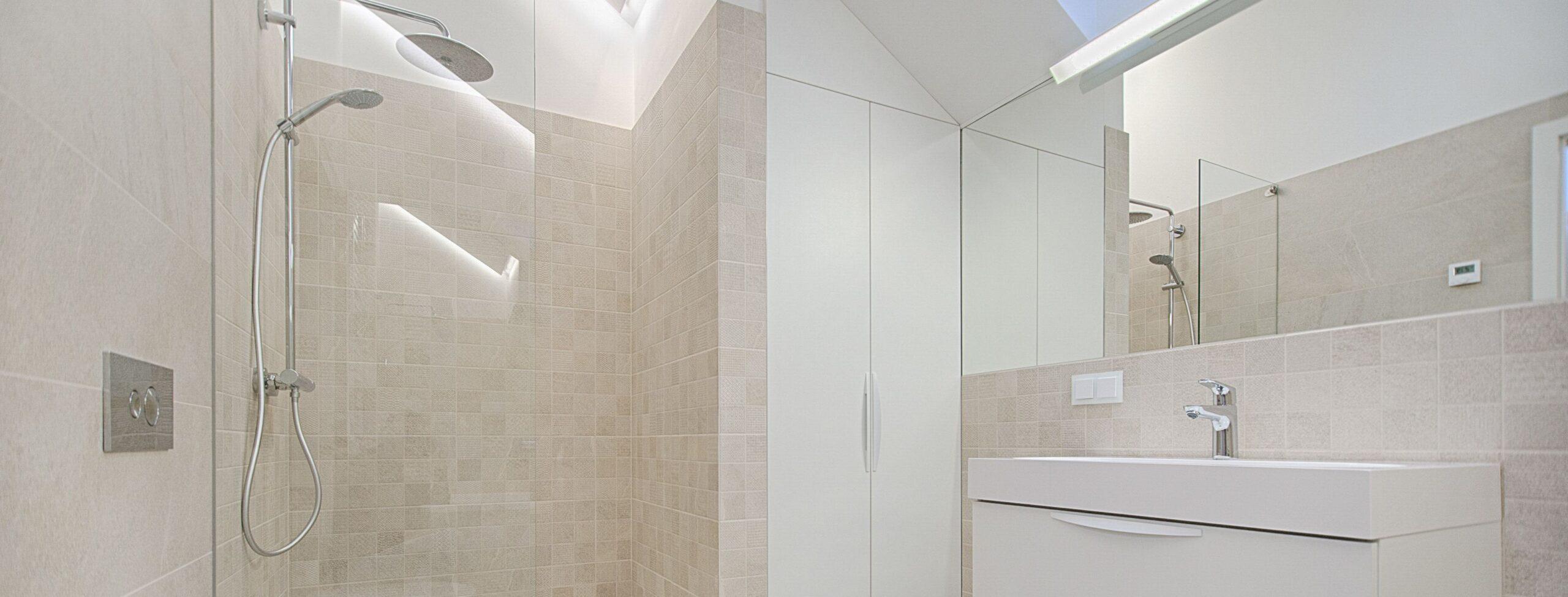 Full Size of Ebenerdige Dusche Kosten Einbauen Preise Walk In Glasabtrennung Sprinz Duschen Küche Ikea Badewanne Mit Tür Und Moderne Mischbatterie Bodengleiche Fliesen Dusche Ebenerdige Dusche Kosten