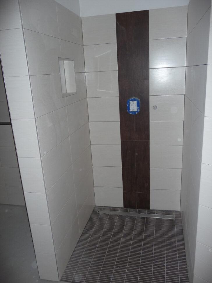 Medium Size of Fliesen Dusche Mosaik Boden Reinigen Bodengleiche Rutschfest Rutschfeste Schimmel In Der Bad Verlegen Versiegeln Fliesenfugen Rutschfestigkeit Schule Machen Dusche Fliesen Dusche