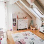 Kinderzimmer Einrichtung Einrichten 10 Tipps Und Ideen Fr Gestaltung Regal Regale Weiß Sofa Kinderzimmer Kinderzimmer Einrichtung