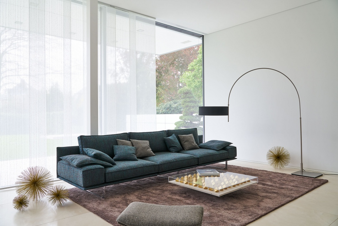 Full Size of Wohnzimmer Modern Eggers Einrichten Led Deckenleuchte Küche Holz Fototapeten Sideboard Vorhänge Hängelampe Stehlampen Tapete Deckenlampen Beleuchtung Wohnzimmer Wohnzimmer Modern