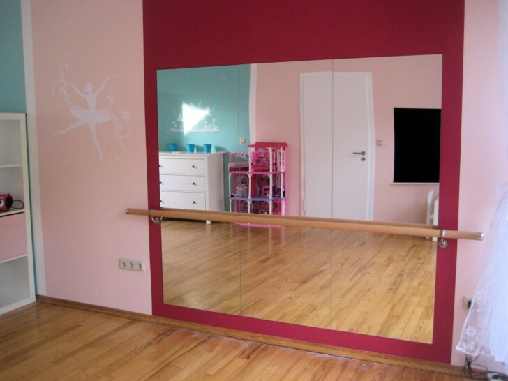 Medium Size of Gestalten Sie Rosa Kinderzimmer Fr Kleine Prinzessin Ikea Drmmare Spiegelschrank Bad Mit Beleuchtung Und Steckdose Spiegelleuchte Spiegelleuchten Regal Kinderzimmer Spiegel Kinderzimmer