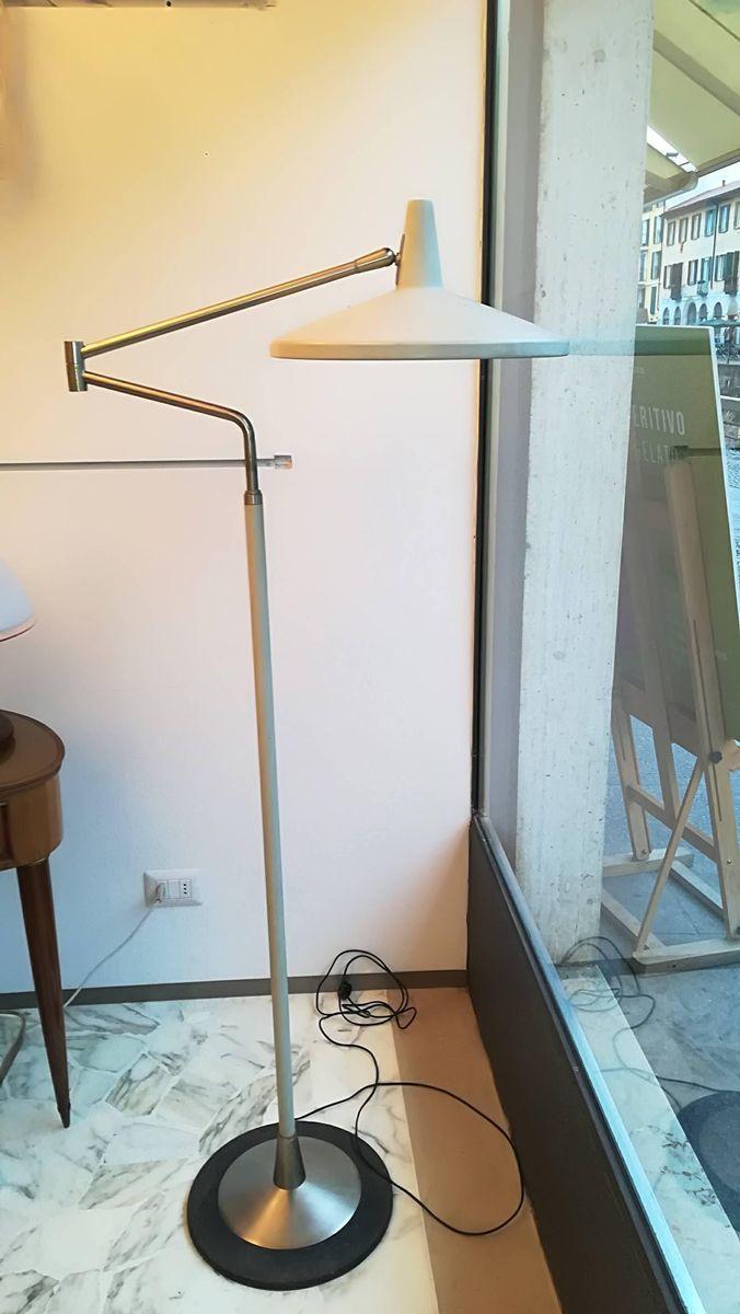Full Size of Stehlampe Metall Ambiente Stehleuchte Stehlampen Modern Wohnzimmer Bilder Küche Holz Tapete Bett Design Modernes 180x200 Sofa Moderne Duschen Deckenlampen Wohnzimmer Stehlampen Modern