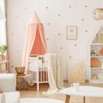 Kinderzimmer Einrichtung Babyzimmer Richtige Farbgestaltung Fr Einen Guten Start Ins Regal Sofa Weiß Regale Kinderzimmer Kinderzimmer Einrichtung