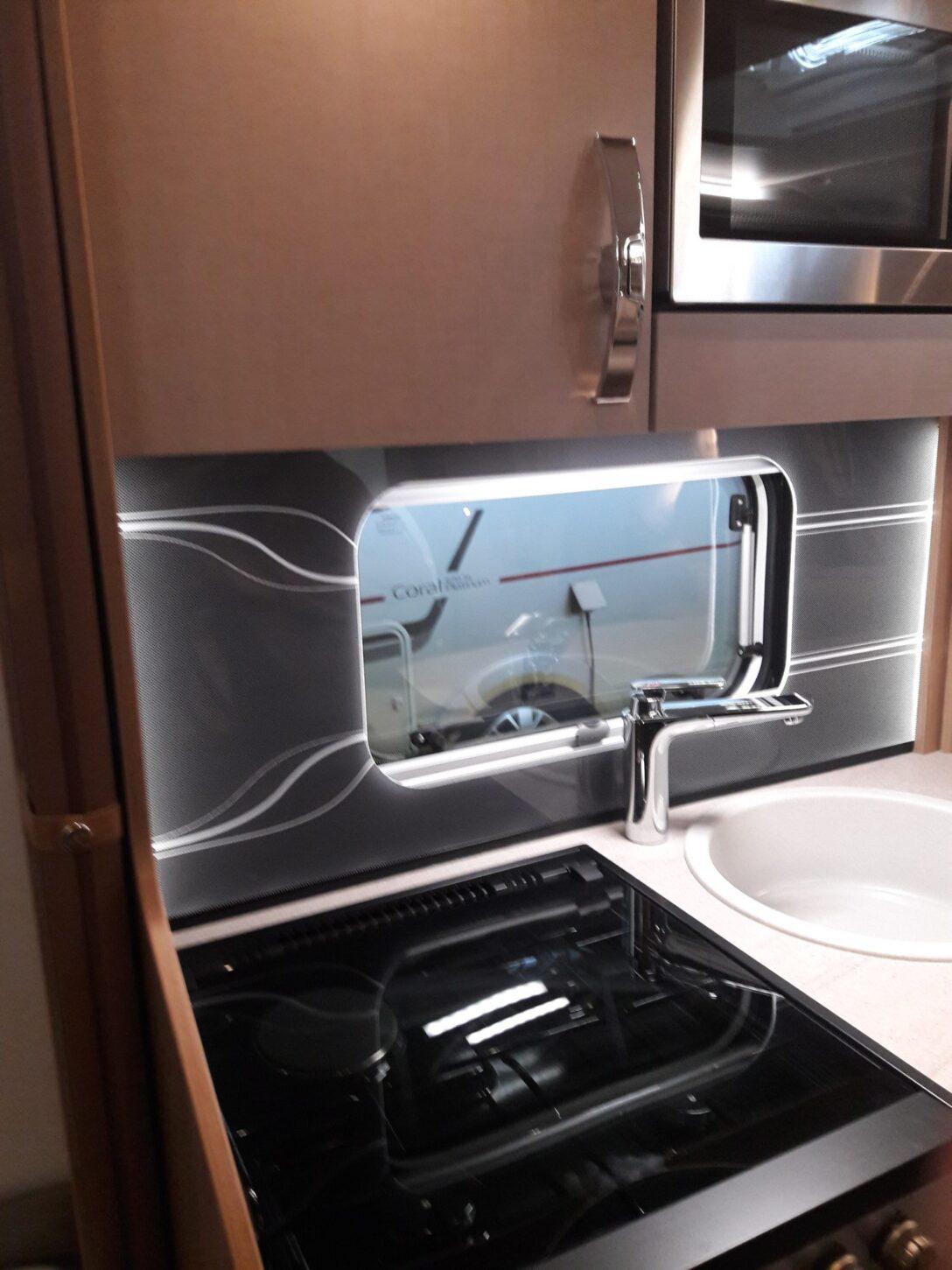 Küchenwand Selbstbau Einer Beleuchteten Wohnwagen Kchenrckwand Happy