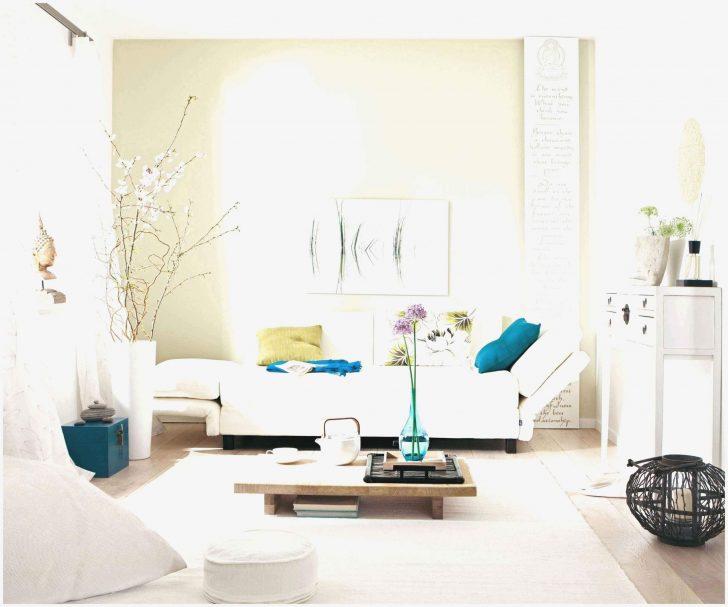Medium Size of Deckenleuchten Wohnzimmer Poster Decken Pendelleuchte Sofa Kleines Komplett Hängeleuchte Stehlampen Deckenlampen Hängelampe Sessel Kamin Schrankwand Wohnzimmer Vliestapete Wohnzimmer