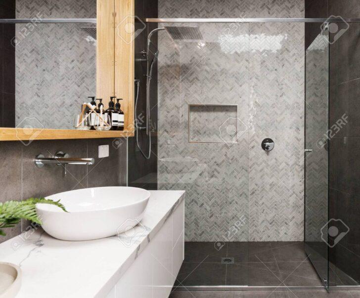 Medium Size of Duschen Gemauert Dusche Ohne Fliesen Kleine Marmor Mosaik Fischgrt Geflieste Feature Wand In Einem Esstische Schulte Werksverkauf Sprinz Bett Hüppe Dusche Moderne Duschen