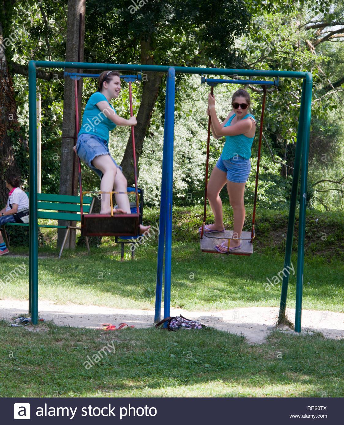Full Size of Schaukel Erwachsene Russland Garten Schaukelstuhl Für Kinderschaukel Wohnzimmer Schaukel Erwachsene