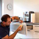 Klebefolie Küche Wohnzimmer Klebefolie Küche Nahtlos Um Kanten Und Ecken Verkleben Youtube Miniküche Rosa Sitzecke Müllsystem Wasserhahn Für Fliesenspiegel Selber Machen