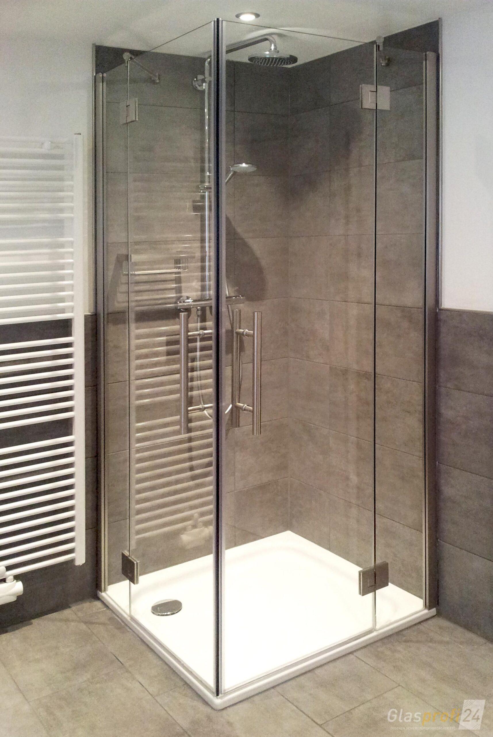 Full Size of Glaswand Dusche Mit Einem Oder Zwei Flgeltren Ist Eine Eckdusche Aus Glas Haltegriff Antirutschmatte Glasabtrennung Nischentür Unterputz Armatur Schiebetür Dusche Glaswand Dusche
