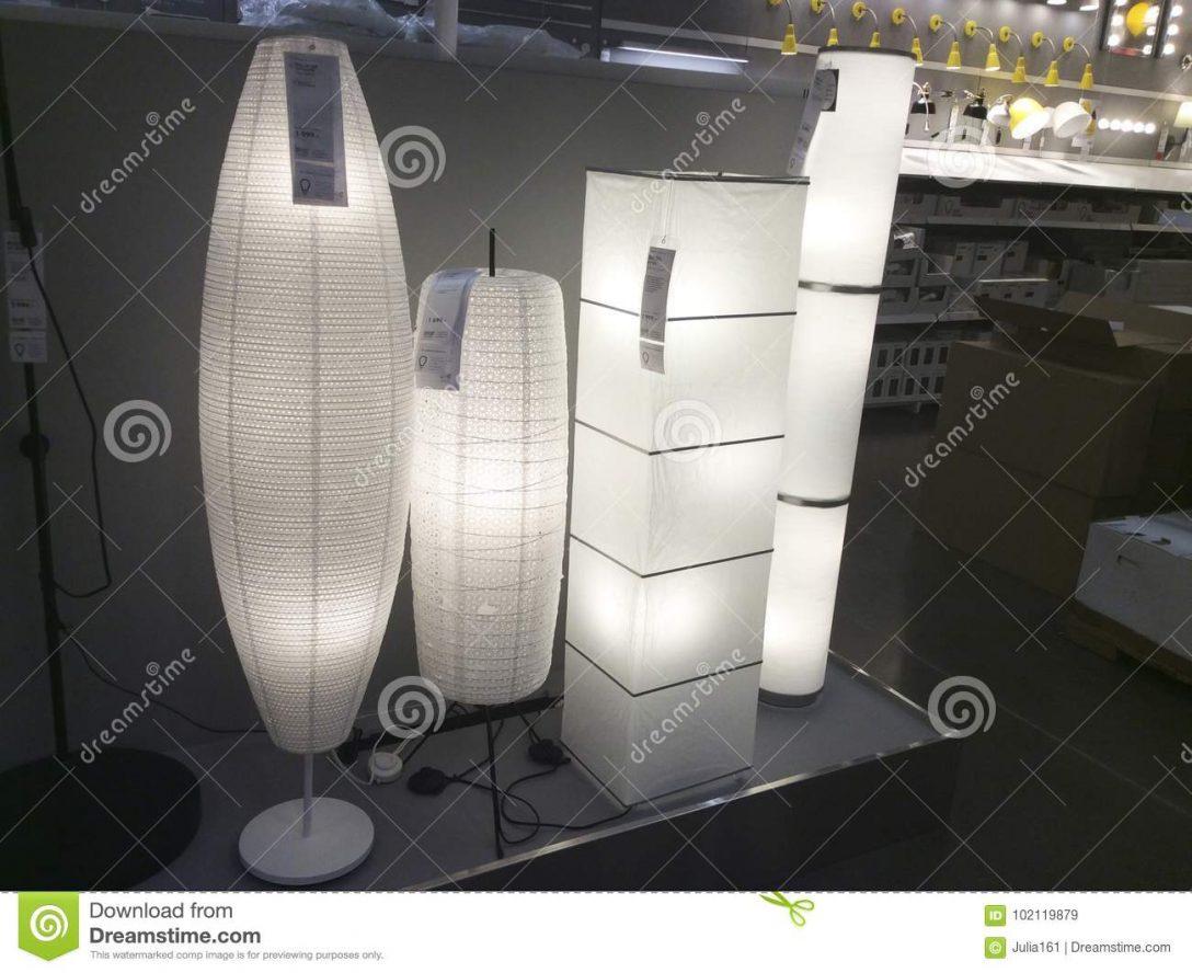Large Size of Stehlampen Ikea Stehlampe Lampe Schirm Wien Dimmen Led Dimmbar Papier Lampenschirm Asiatische Art In Shop Redaktionelles Küche Kaufen Sofa Mit Schlaffunktion Wohnzimmer Stehlampen Ikea