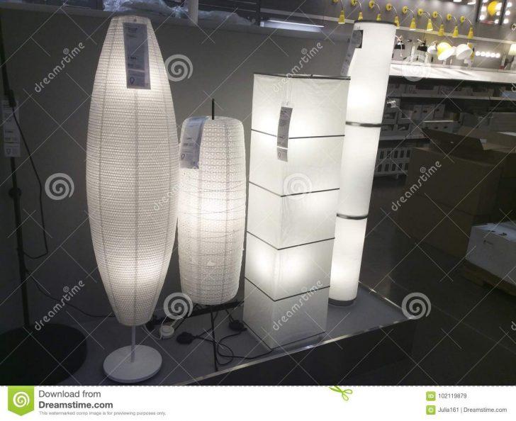 Medium Size of Stehlampen Ikea Stehlampe Lampe Schirm Wien Dimmen Led Dimmbar Papier Lampenschirm Asiatische Art In Shop Redaktionelles Küche Kaufen Sofa Mit Schlaffunktion Wohnzimmer Stehlampen Ikea