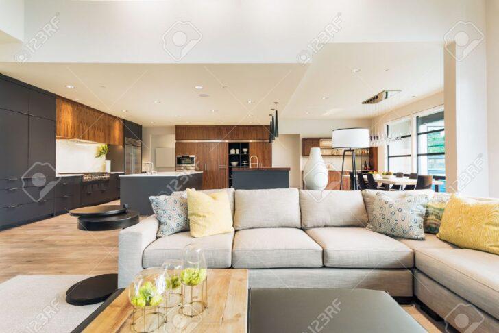 Medium Size of Schöne Wohnzimmer Schne Interieur Im Neuen Luxus Haus Mit Blick Auf Wandtattoo Fototapete Wohnwand Schrankwand Fürs Komplett Relaxliege Hängeleuchte Lampe Wohnzimmer Schöne Wohnzimmer