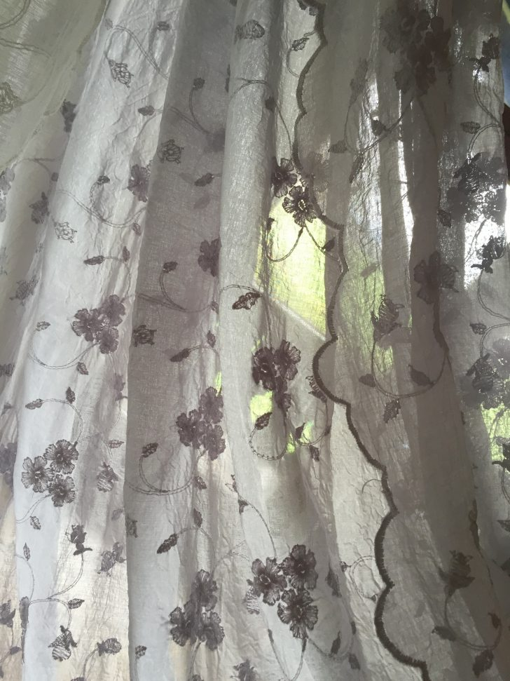 Medium Size of Gardinen Landhausstil Schal Lisamarie Bestickt Grau 200x250 Shabby Vintage Sofa Wohnzimmer Schlafzimmer Weiß Für Die Küche Scheibengardinen Betten Regal Wohnzimmer Gardinen Landhausstil