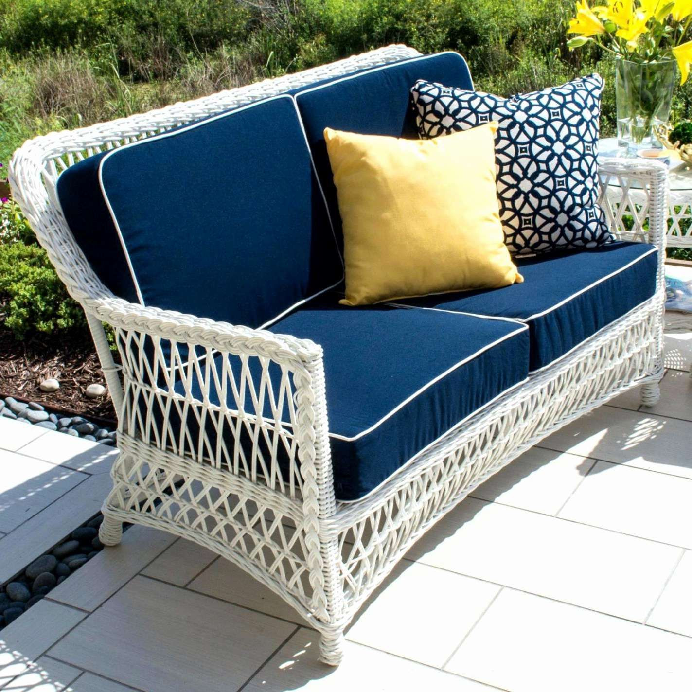 Full Size of Common Outdoor Beetles Garden Manteau Betty Barclay Bett Hund Kitchen Better Homes And Gardens Flying Education Puredown Collection Cushions For Betta Pond Wohnzimmer Outdoor Bett