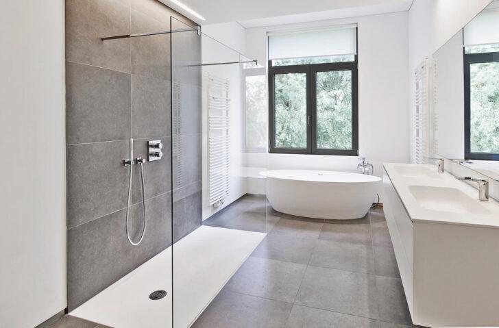 Medium Size of Begehbare Dusche Hüppe Bodengleiche Einbauen Badewanne Mit Tür Und Glasabtrennung Fliesen Unterputz Duschen 80x80 Bluetooth Lautsprecher Siphon Komplett Set Dusche Begehbare Dusche