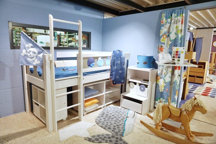 Medium Size of Piraten Kinderzimmer Piratenhochbett Piratenbett Hochbett Debreuyn Regal Weiß Sofa Regale Kinderzimmer Piraten Kinderzimmer