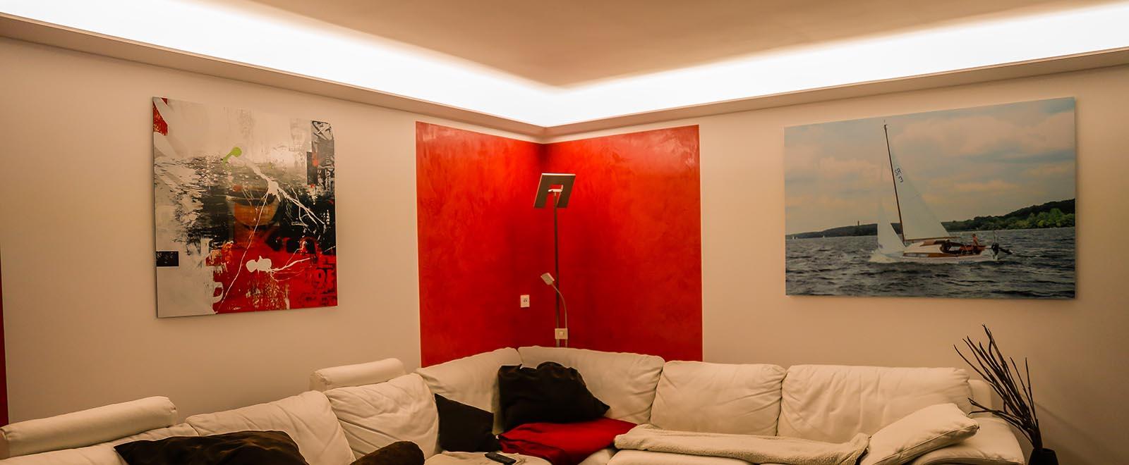 Full Size of Indirekte Beleuchtung Decke Der Mit Led Stuckleisten Tipps Infos Deckenlampe Esstisch Deckenleuchten Küche Schlafzimmer Deckenleuchte Badezimmer Wohnzimmer Indirekte Beleuchtung Decke
