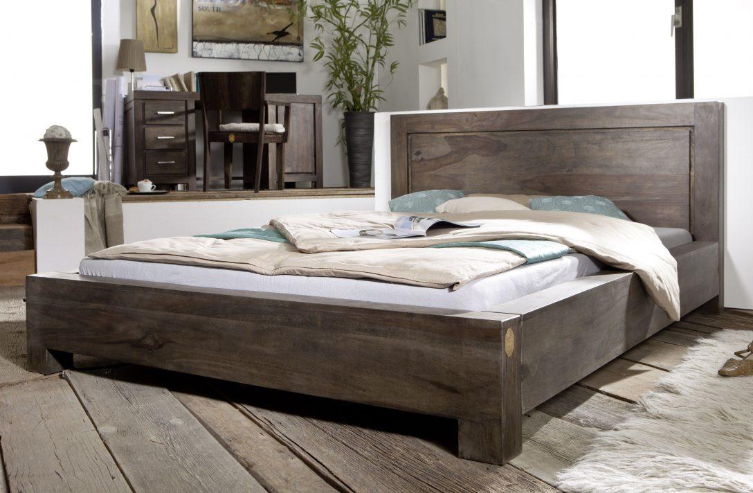 Large Size of Bett Italienisches Design Modern Puristisch Kaufen Holz 140x200 180x200 Betten 120x200 Beyond Better Sleep Pillow Eiche Leader Sheesham 160x200x90 Grau Wohnzimmer Bett Modern