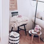 Wohnzimmer Dekoration Ein Paar Tipps Zur Wandgestaltung Decke Großes Bild Decken Tapete Hängelampe Vitrine Weiß Vorhänge Stehlampe Relaxliege Hängeleuchte Wohnzimmer Wohnzimmer Dekorieren