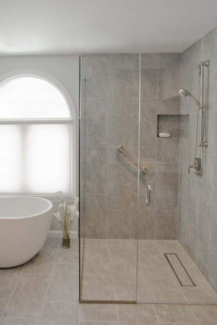 Medium Size of Dusche Ebenerdig Ebenerdige In 55 Attraktiven Modernen Badezimmern Begehbare Ohne Tür Pendeltür Breuer Duschen Thermostat Nischentür Bodengleiche Grohe Dusche Dusche Ebenerdig
