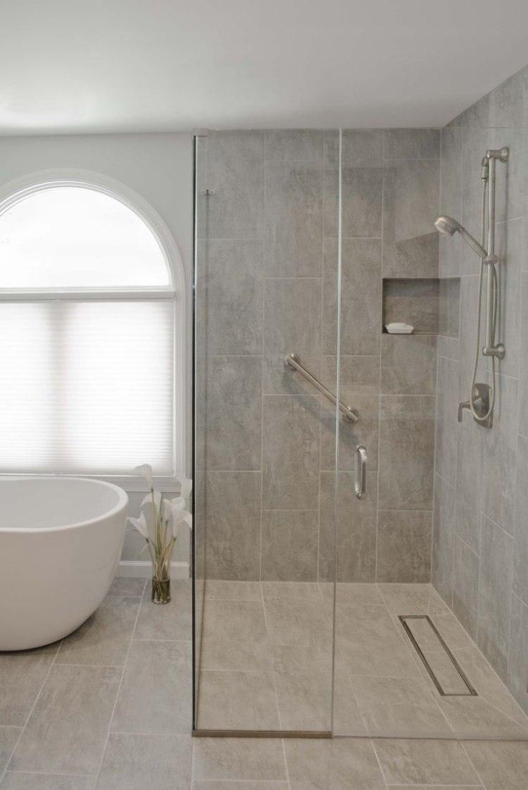 Full Size of Dusche Ebenerdig Ebenerdige In 55 Attraktiven Modernen Badezimmern Begehbare Ohne Tür Pendeltür Breuer Duschen Thermostat Nischentür Bodengleiche Grohe Dusche Dusche Ebenerdig