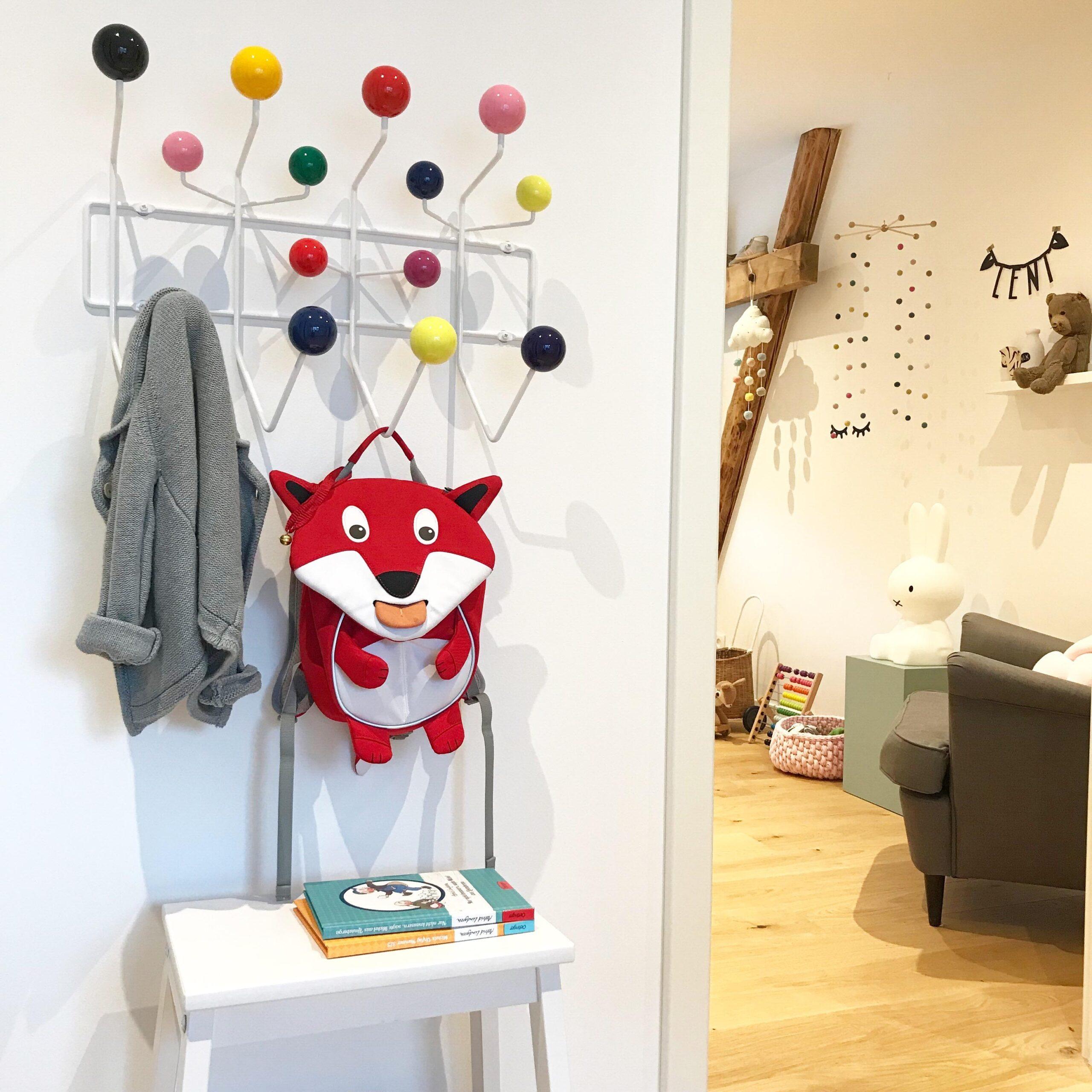 Full Size of Garderobe Kinderzimmer Jetzt Kommt Farbe Auf Den Flur Regal Sofa Weiß Regale Kinderzimmer Garderobe Kinderzimmer