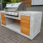 Aussenkueche Grill Beton Holz Outdoor Living Betonboden Gussboden Einbauküche L Form Stehhilfe Küche Vorhänge Freistehende Mit Elektrogeräten Led Wohnzimmer Outdoor Küche Beton