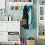 Diy Garderobe 7 Einfache Anleitungen Ideen Aus Holz Regal Kinderzimmer Weiß Regale Sofa Kinderzimmer Garderobe Kinderzimmer