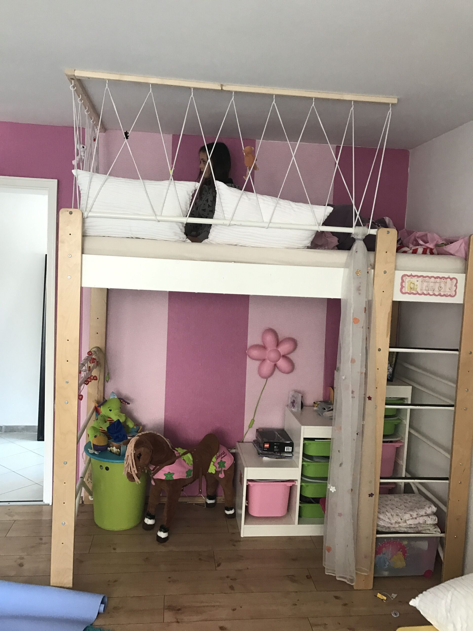 Full Size of Hochbett Mit Schrank Dolphin Holzturm Wei Textilien Regal Kinderzimmer Weiß Sofa Regale Kinderzimmer Kinderzimmer Hochbett