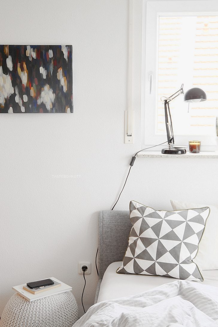 Medium Size of Fensterbank Dekorieren Deko Update Nachttische Umgerumt Wohnzimmer Fensterbank Dekorieren