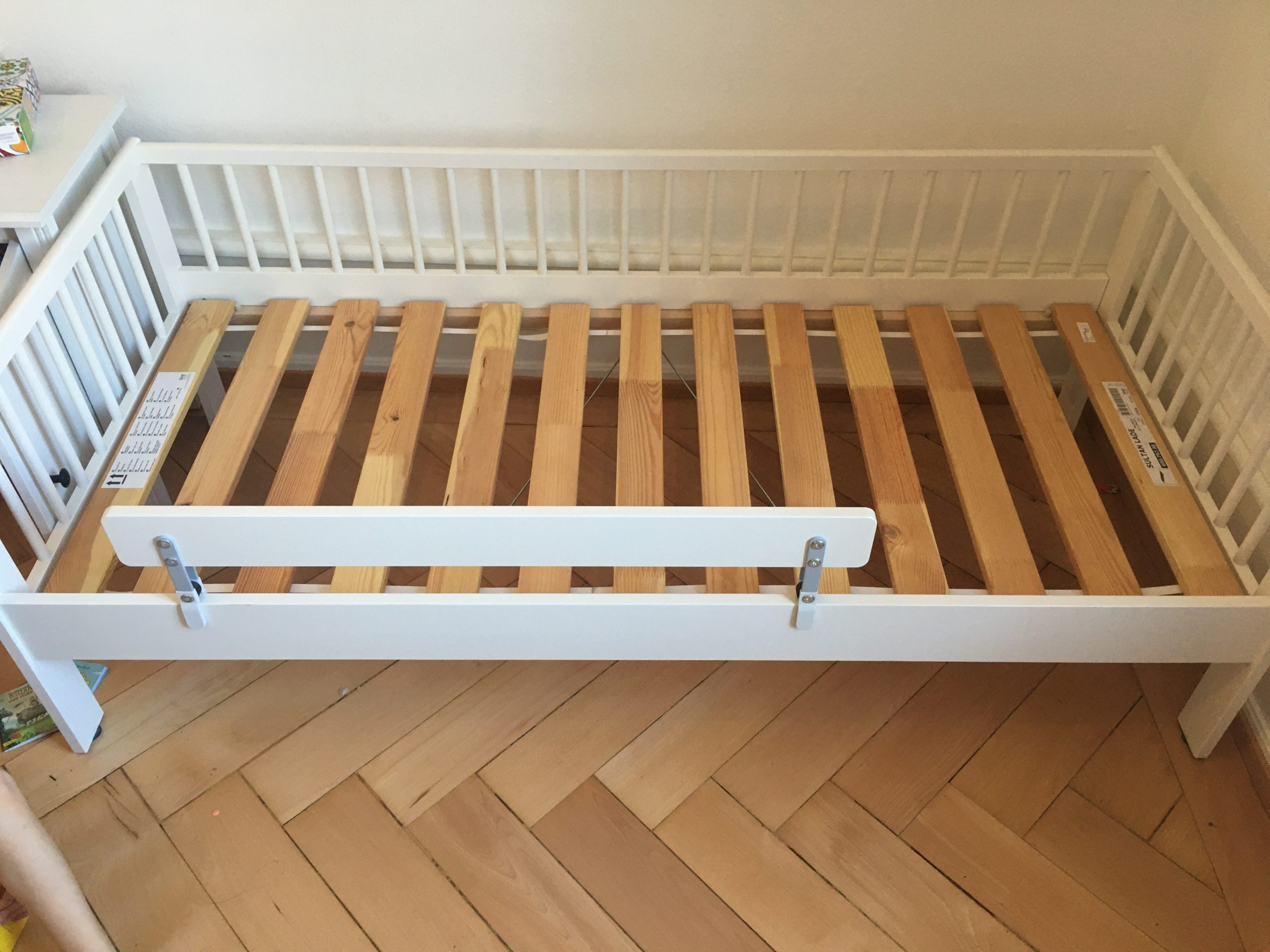 Full Size of Ikea Bett Kinder 40chf Universitt Basel Krankenhaus Graues Amerikanisches Chesterfield Hasena Kleinkind Betten 200x220 Mit Aufbewahrung 200x180 220 X 200 Wohnzimmer Ikea Bett Kinder
