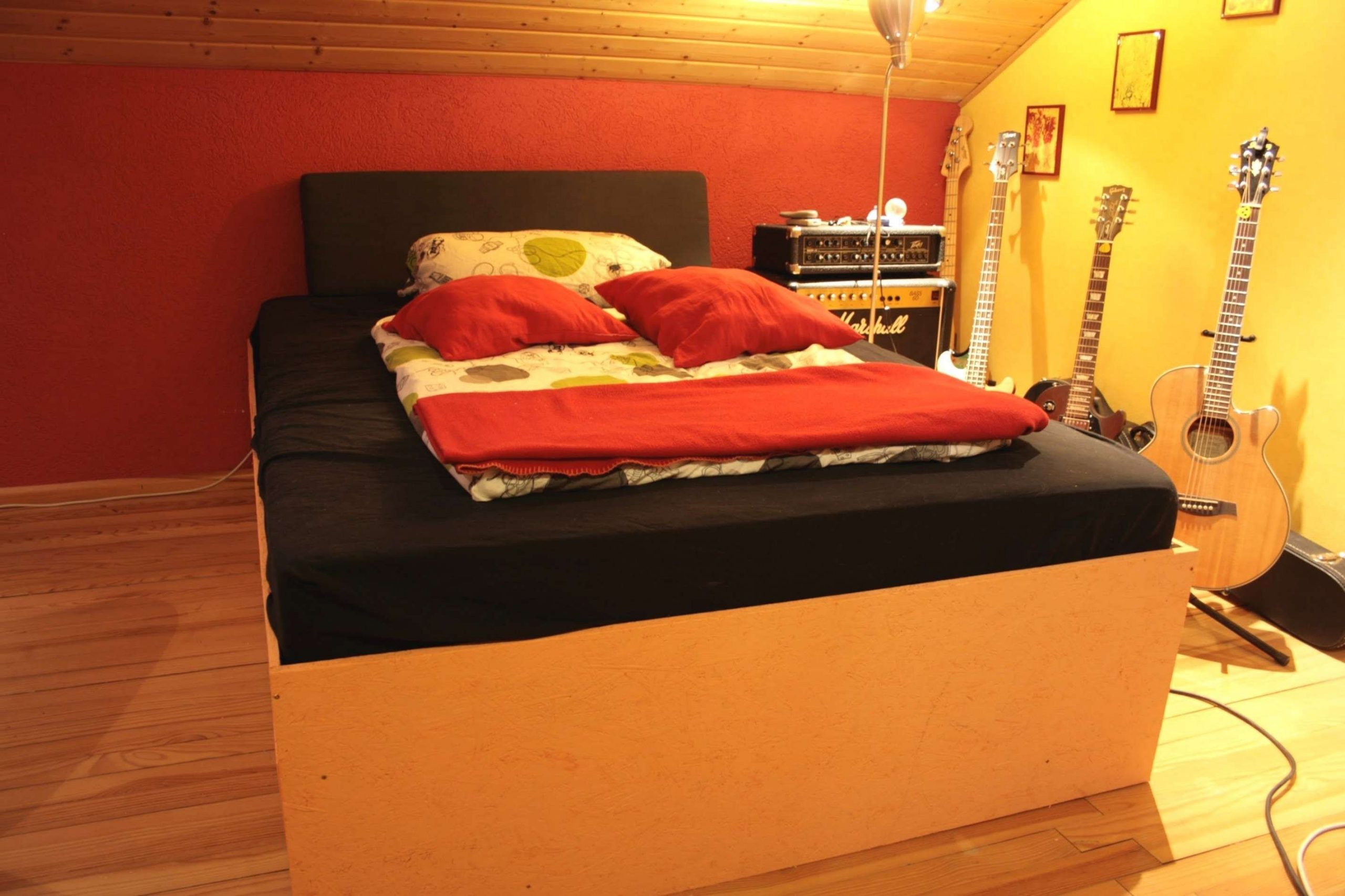 Full Size of Bett Paletten 140x200 Kaufen Ikea Aus Bauen Anleitung Selber 200x200 100x200 180x200 Palette Bank Sthlen Inspirierend Sonoma Eiche Weißes 90x200 Feng Shui Wohnzimmer Bett Paletten