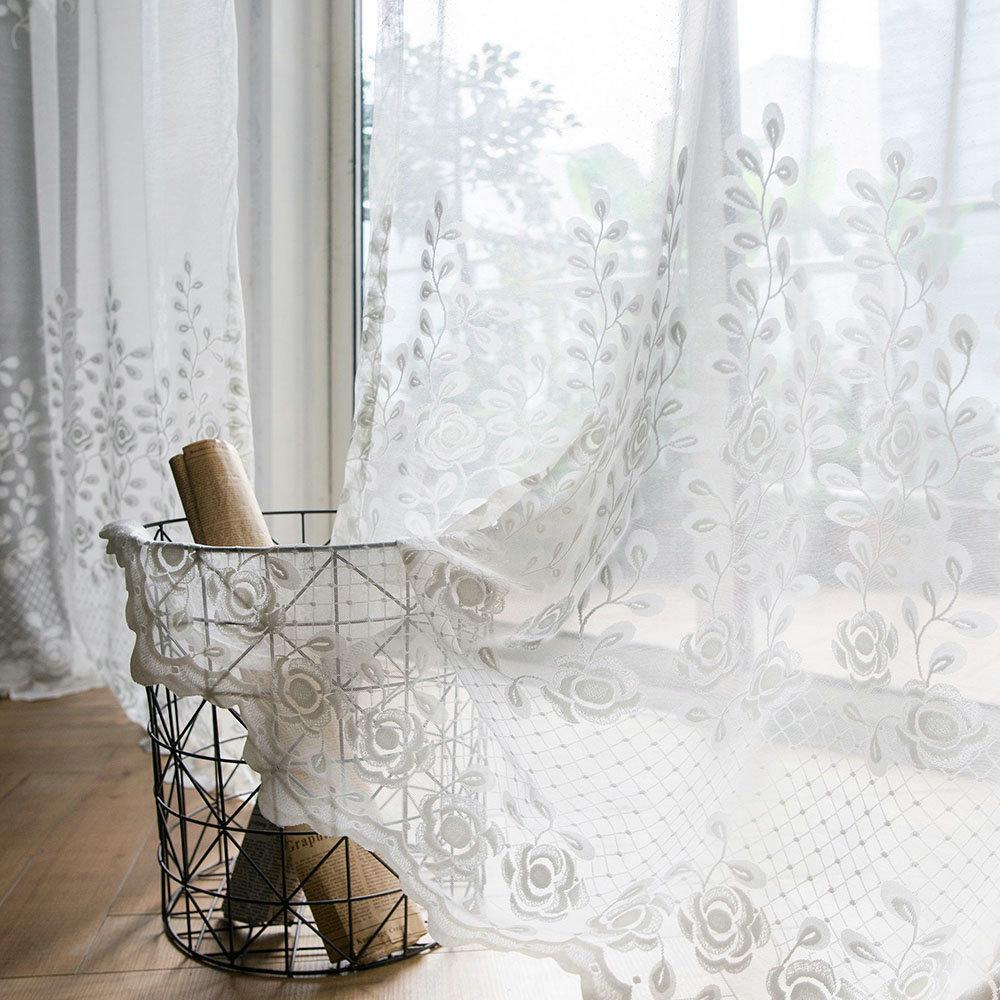 Full Size of Gardinen Gardine Wei Rose Design Led Deckenleuchte Schrank Hängeschrank Tapete Küche Wohnwand Sessel Fenster Wohnzimmer Wohnzimmer Gardinen Modern