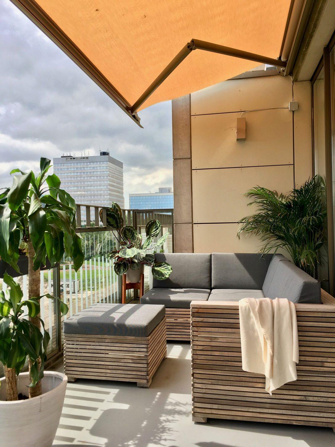 Large Size of Loungemöbel Balkon Loungen Auf Dem Elegant Aber Trozdem Lssig Mit Der Rough Garten Günstig Holz Wohnzimmer Loungemöbel Balkon