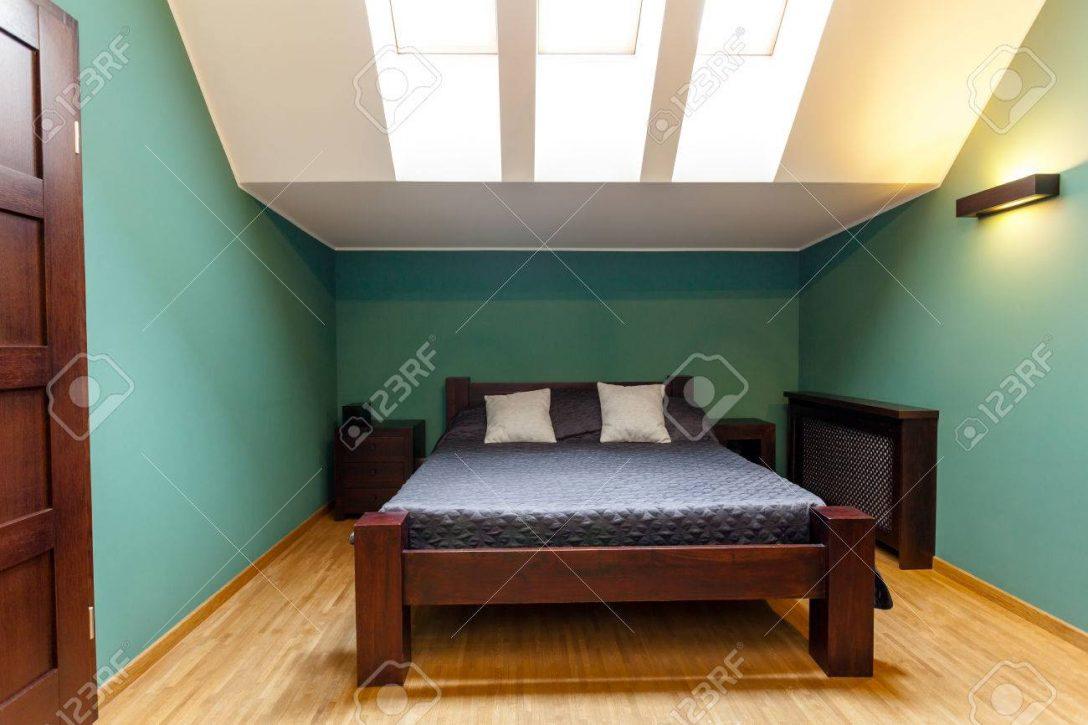 Large Size of Wandfarben Schlafzimmer Im Dachgeschoss In Trkis Duschen Sofa Esstische Bett 180x200 Wohnzimmer Fürs Landhausküche Wohnzimmer Moderne Wandfarben