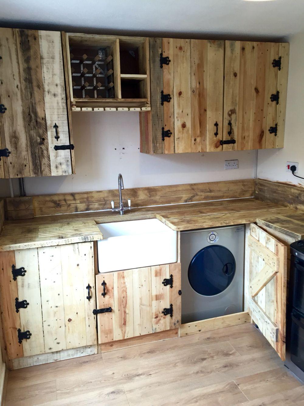 Full Size of Pallet Kitchen All Finished Rustikale Kchenschrnke Spritzschutz Küche Plexiglas Laminat In Der Pentryküche Landhaus Hängeregal Modul Kaufen Tipps Buche Wohnzimmer Paletten Küche