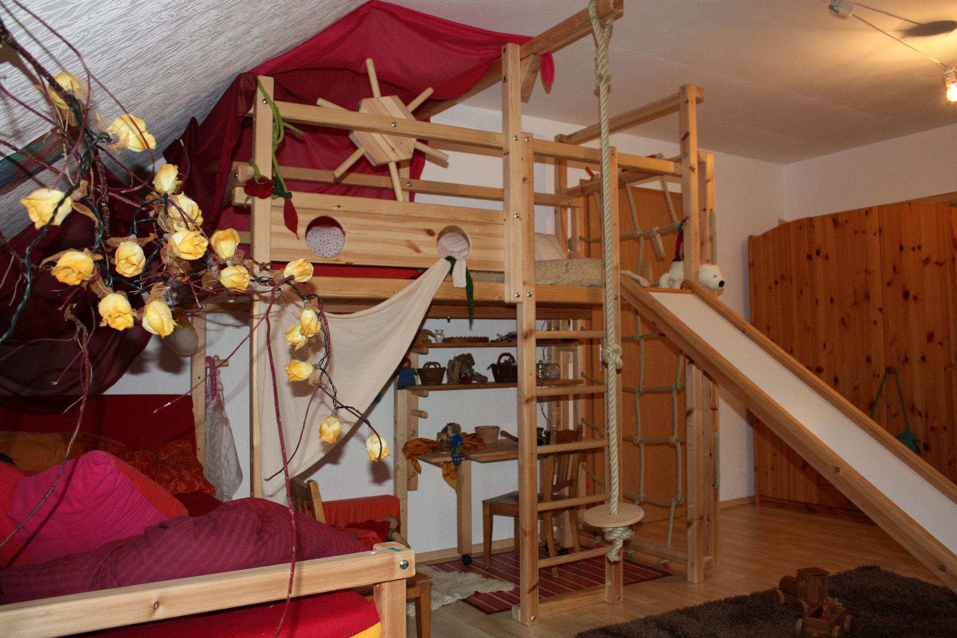 Full Size of Produkte Tau Abenteuerbetten Regal Kinderzimmer Regale Sofa Weiß Kinderzimmer Sprossenwand Kinderzimmer