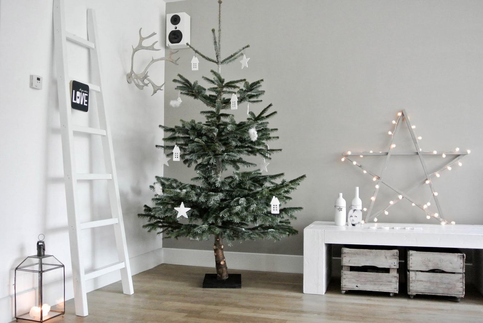 Full Size of Wohnzimmer Weihnachtlich Dekorieren Wohnkonfetti Led Deckenleuchte Lampe Kommode Vorhänge Fototapete Kamin Vorhang Hängeschrank Schrankwand Deckenlampe Wohnzimmer Wohnzimmer Dekorieren