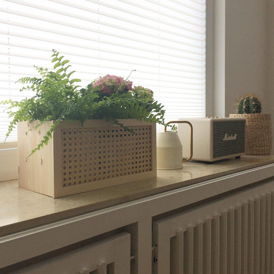 Large Size of Deko Fensterbank Blumenliebe Plantbofensterbank Couch Wohnzimmer Dekoration Badezimmer Schlafzimmer Für Küche Wanddeko Wohnzimmer Deko Fensterbank
