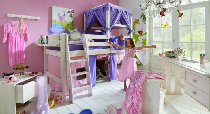 Medium Size of Kinderzimmer Prinzessin Karolin Lillifee Gebraucht Prinzessinnen Komplett Bett Gestalten Playmobil Regale Regal Sofa Prinzessinen Weiß Kinderzimmer Kinderzimmer Prinzessin